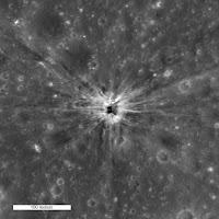 El cráter de uno de los experimentos de la NASA, parece apuntar a que la Luna está vacía por dentro