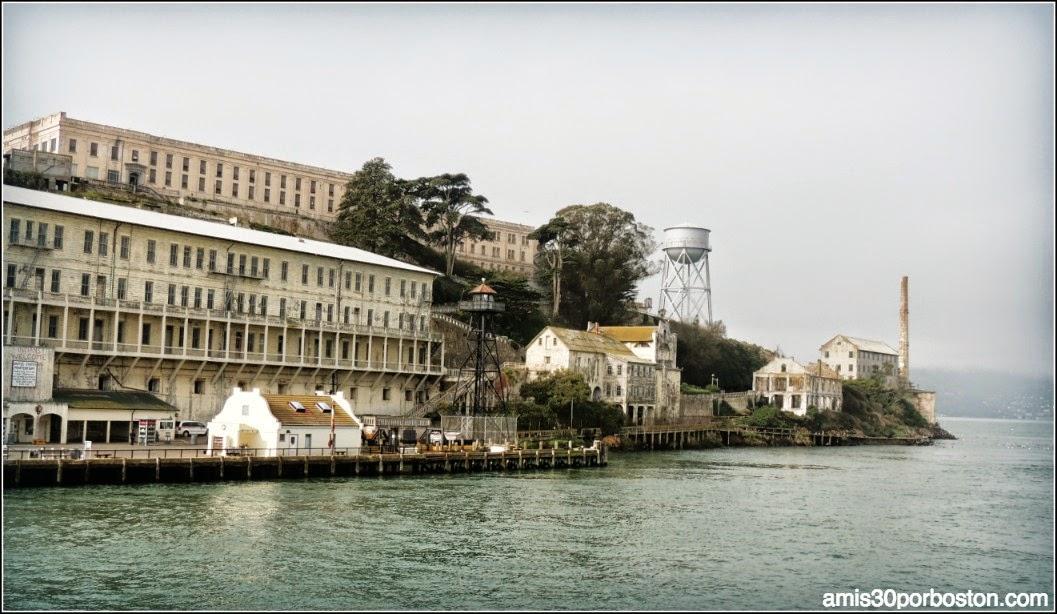 La Prisión de Alcatraz desde el Ferry