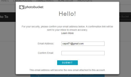 Halaman pengaktifan kembali Photobucket yang harus diverifikasi dnegan email yang masih aktif.  Gambar dari Internet