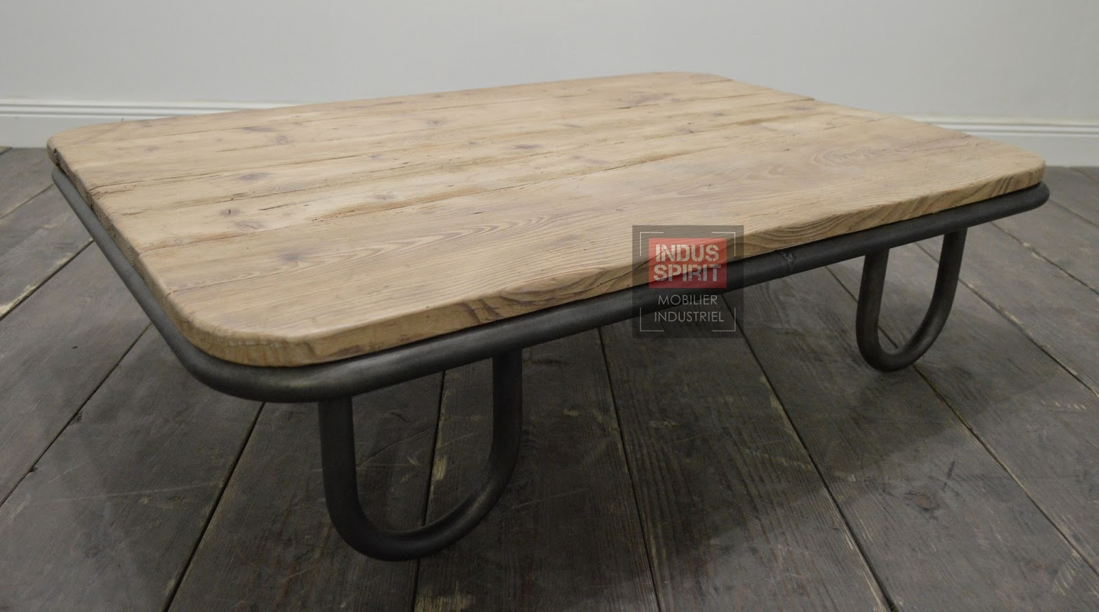 Table basse industrielle for Table ultra basse