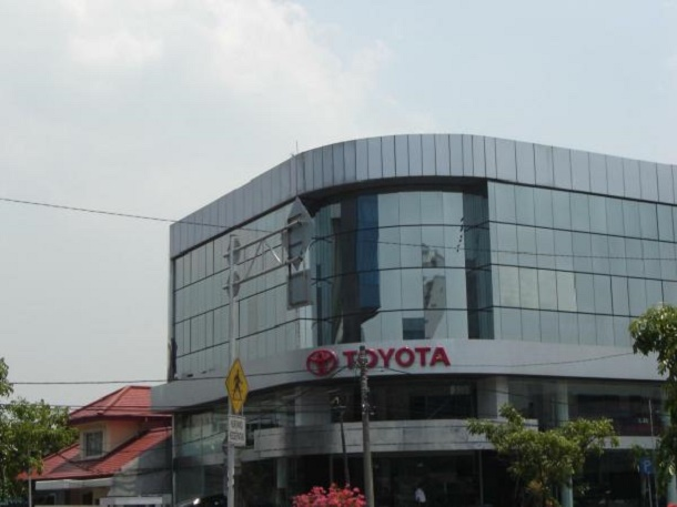 TOYOTA Astrido Toyota Harmoni Balikpapan JAKARTA