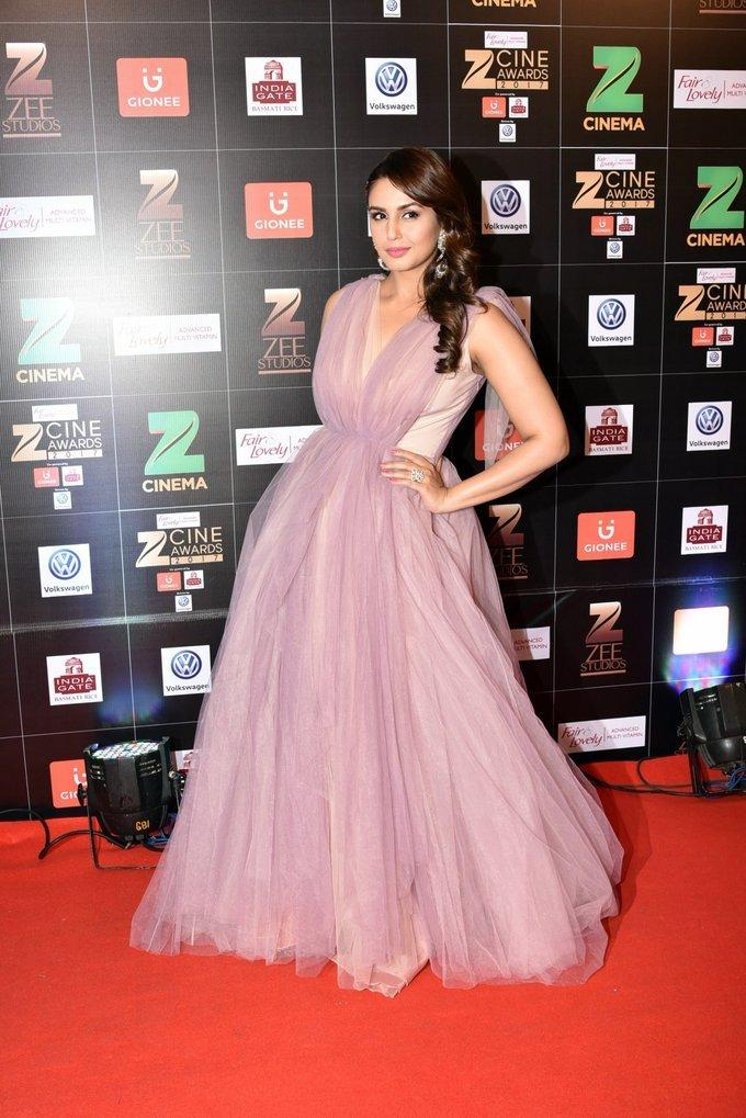 Indian Model Huma Qureshi At Zee Cine Awards 2017