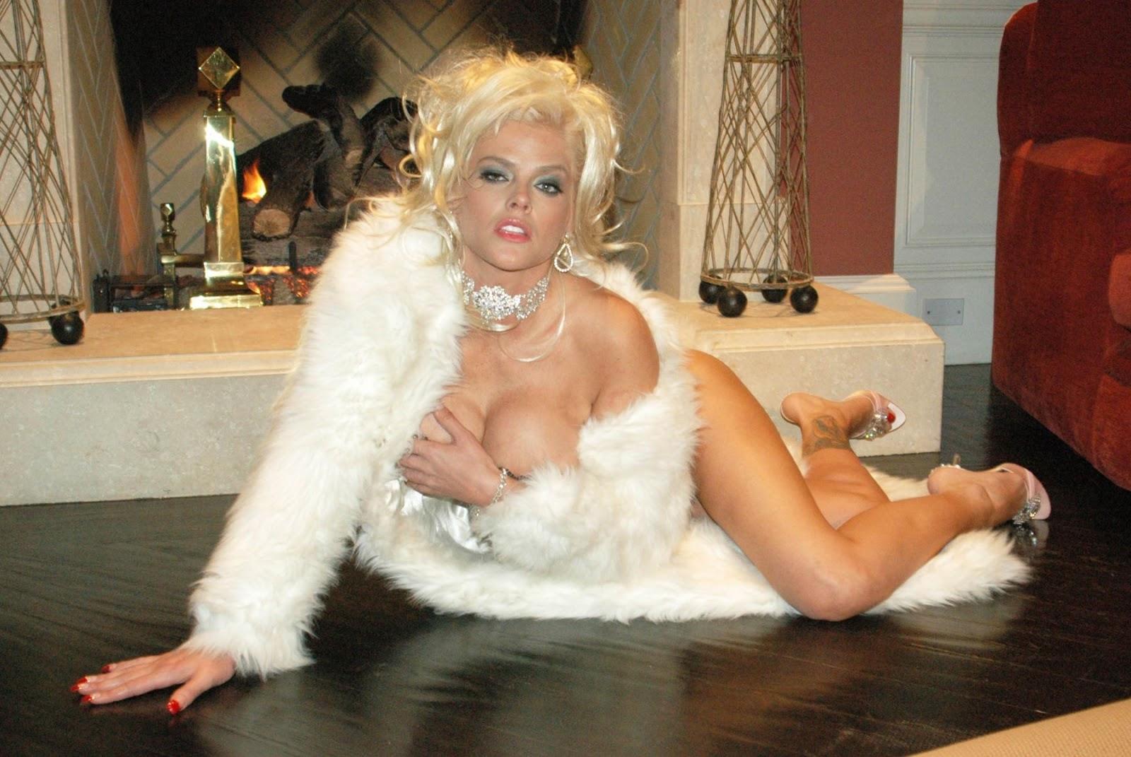 Anna Nicole Nude Videos