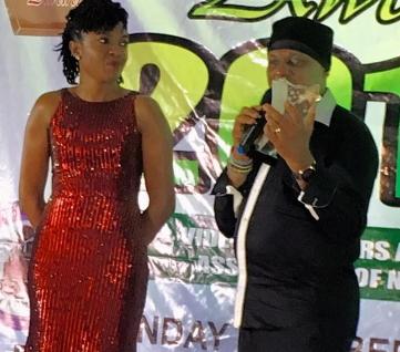 omoni oboli wins pacesetters award