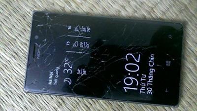 Thay mat kinh Lumia 925 gia re uy tin