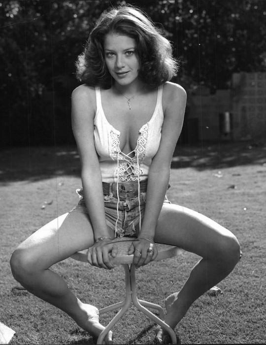 Debra Winger Nude Photos 29