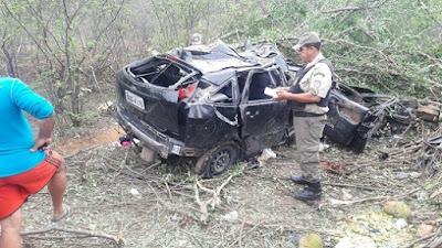 Grave acidente na PE-604 deixa um homem morto e duas mulheres feridas em Lagoa Grande - PE