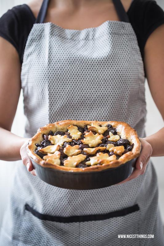 Hirschgulasch Hirschragout mit Maronen und Schokolade herzhafter Pie