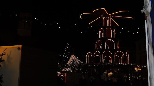 Adventsstimmung bei Nacht