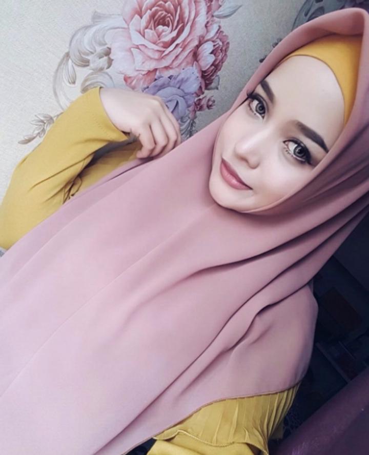 Gambar Cantik Siti Arifah Amin Bertudung Labuh