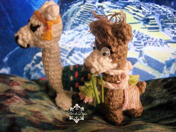 amigurimis-a-ganchillo-de-alpaca-y-llama-flor-de-diys