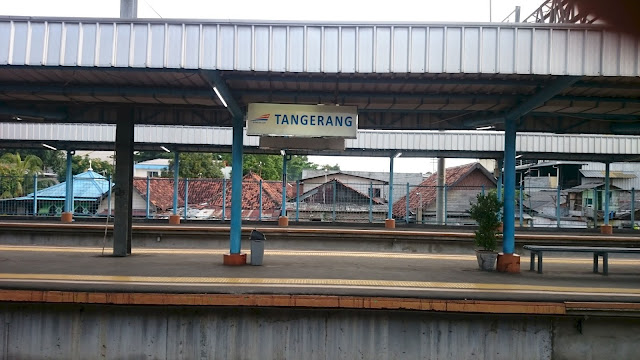Tangerang Train Station Inside - Image: Author