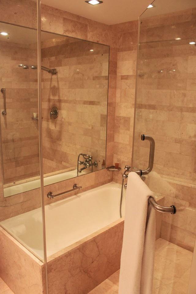 banheiro the leela