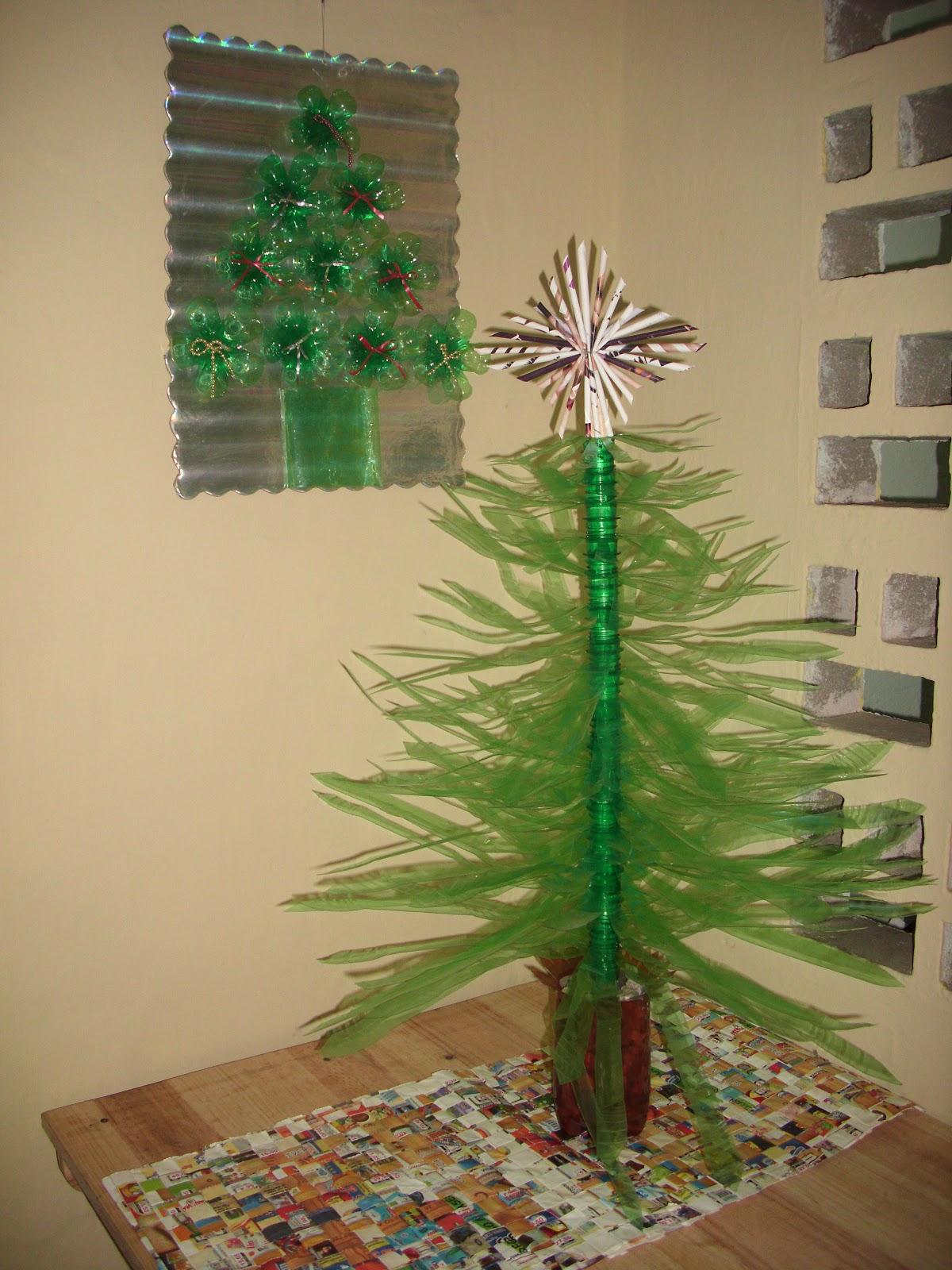 Reciplast octubre 2012 for Adornos navidenos hechos con botellas plasticas