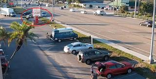 Τρομακτικό τροχαίο στη Φλόριντα με εγκατάλειψη και σοβαρό τραυματισμό 19χρονου οδηγού - Δείτε βίντεο