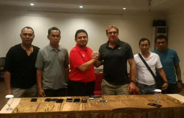PSM Makassar Resmi Perpanjang Kontrak Robert Alberts Hingga 2021