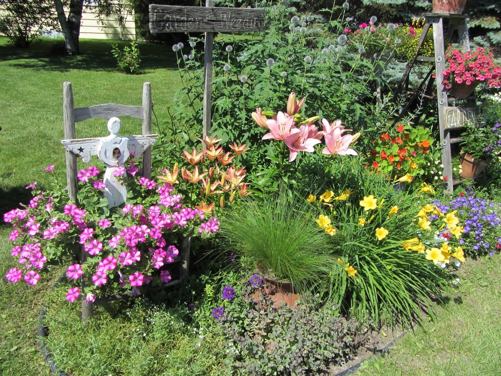 Junk Gardening Organized Clutter