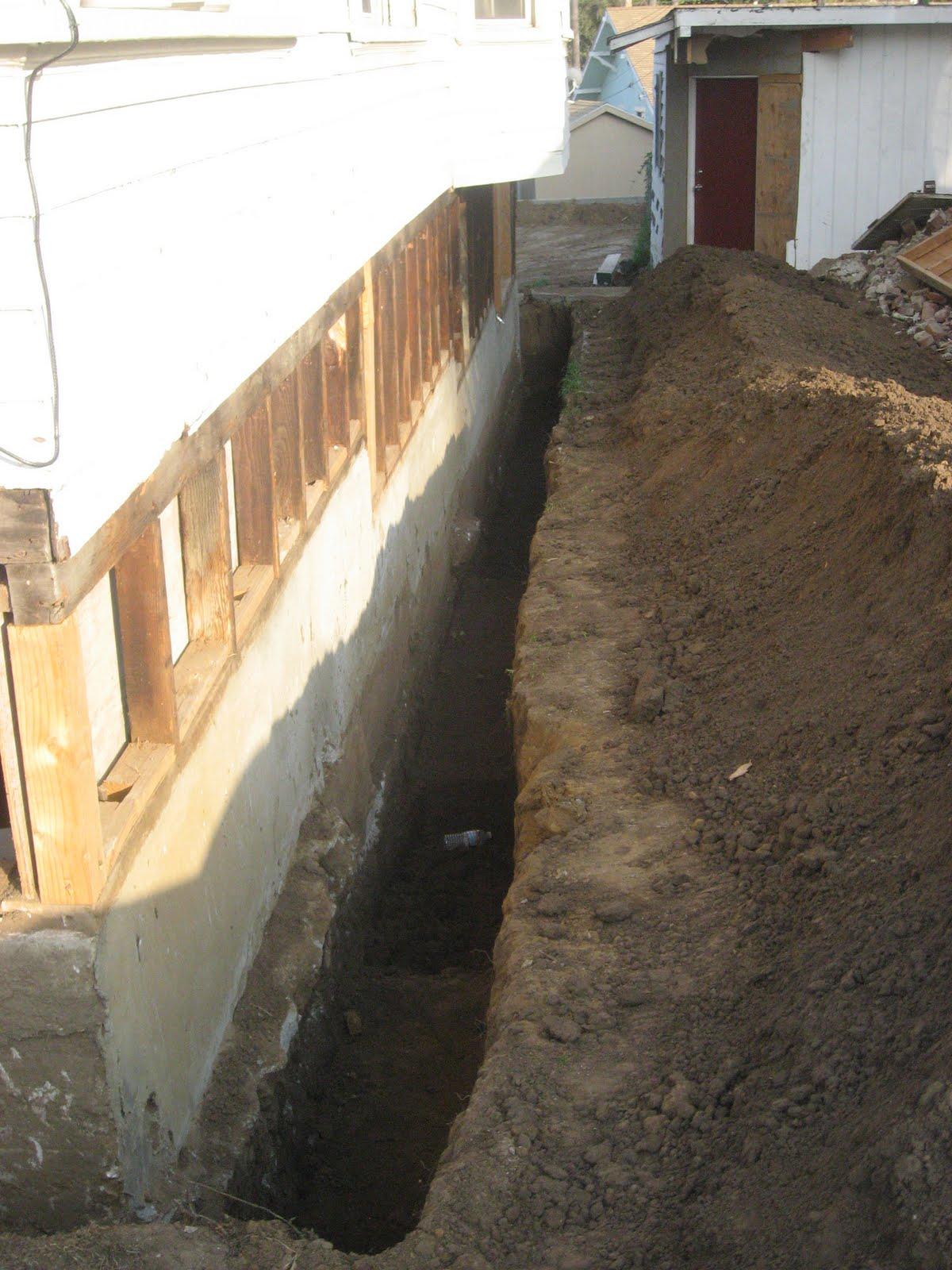 goodin s folly back in the trenches rh goodinsfolly blogspot com Interior French Drain French Drain Explained