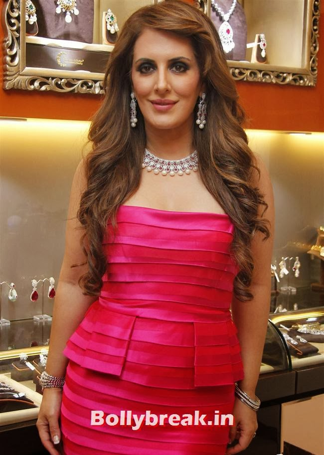 Pria Kataria Puri, Aarti Chabria & Pria Kataria Puri at The Cappuccino Collection Store Launch