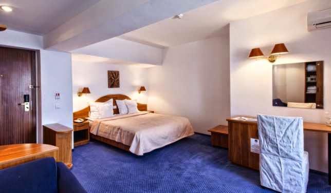 imagini-camera-dubla-family-hotel-savoy-mamaia