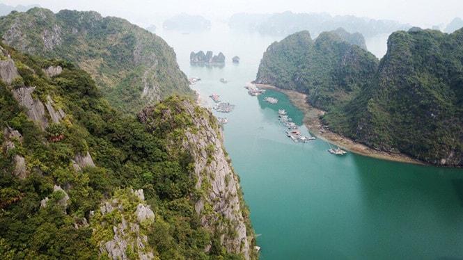 Chiêm ngưỡng làng chài đẹp nhất thế giới trên vịnh Hạ Long -2