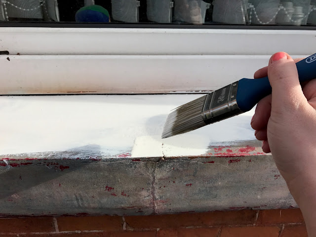 painting outdoor window sills and lintels