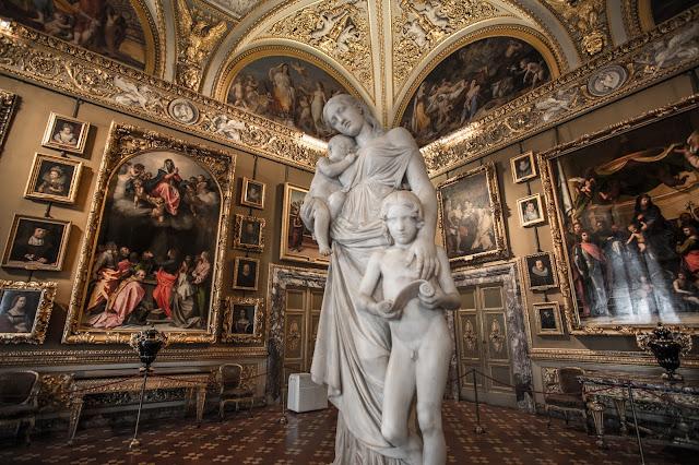 Palazzo Pitti :: Canon EOS5D MkIII | ISO800 | Canon 17-40@17mm | f/4.0 | 1/13s