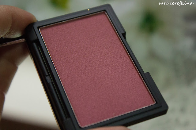 румяна Sleek MakeUP Blush в оттенке Pomegranate #923