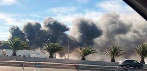 Incendio muy peligroso en Polígono Industrial de Arinaga, Gran Canaria / El Eco de  Canarias