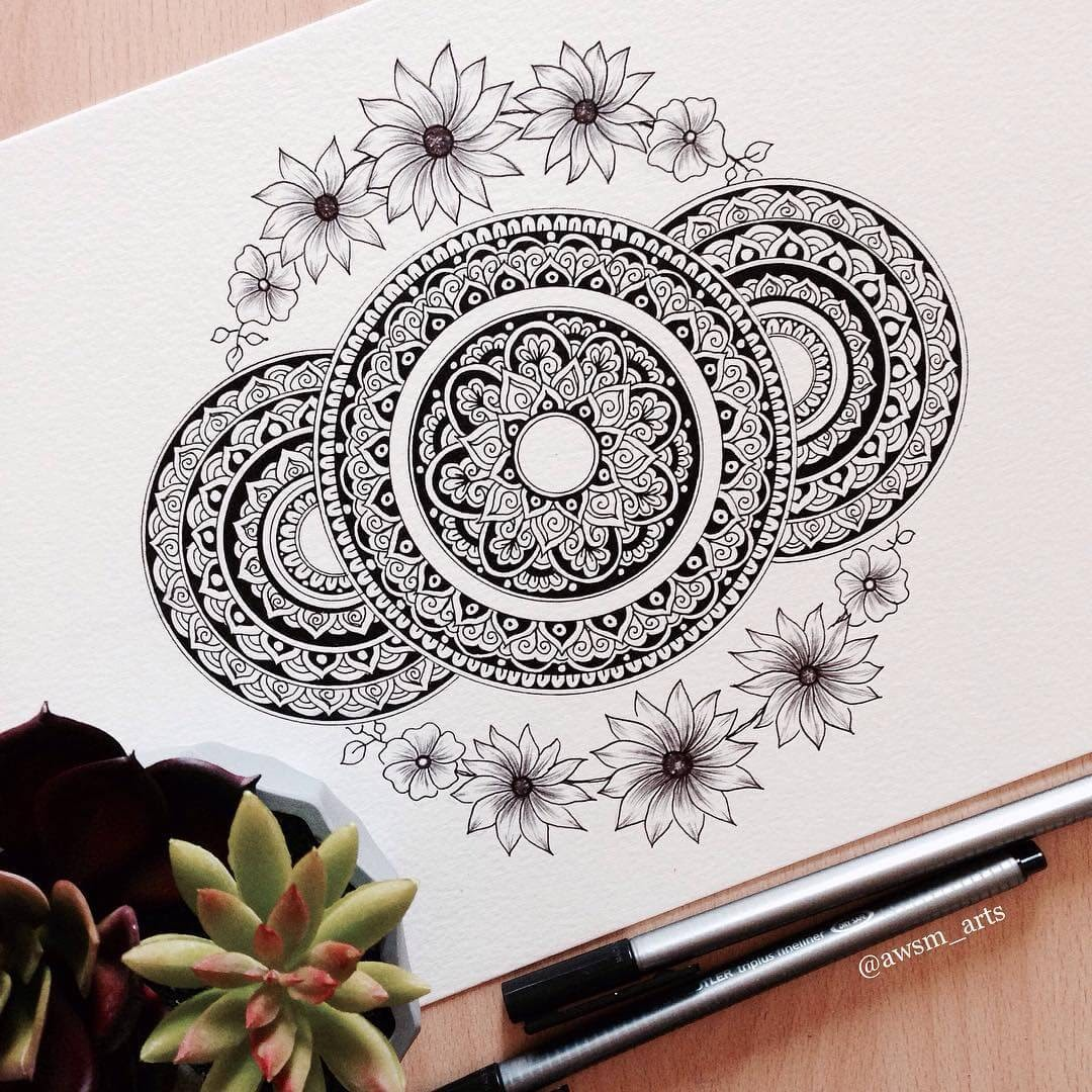 13-Flower-Border-Moleskine-Mandalas-Drawings-and-More-www-designstack-co
