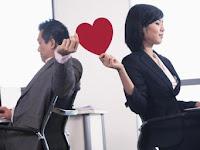 Cara Menjalin Hubungan Asmara Dengan Rekan Kerja