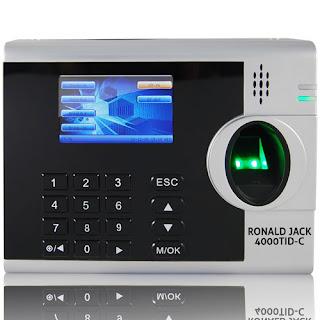Máy chấm công thẻ giấy phù hợp với các công ty vừa và nhỏ