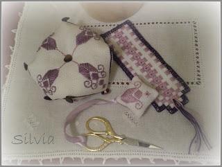 http://silviainpuntadago.blogspot.com/2009/04/nelle-tonalita-del-viola.html