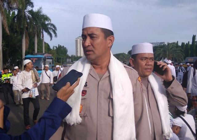 Mesra, Kapolres Jakpus Duduk Bareng Ulama di Panggung Utama Aksi Reuni 212