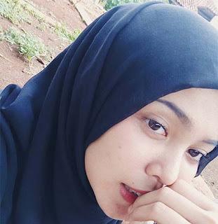 Shafa Afisah Pakai Hijab