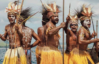 Gambar Pakaian Adat Papua Barat