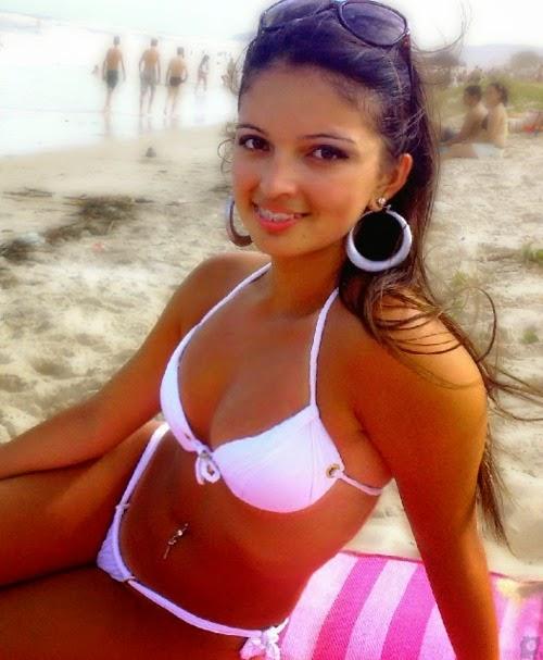 Babe bikini hot net