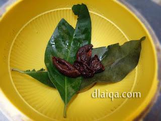 daun salam dan asam kandis