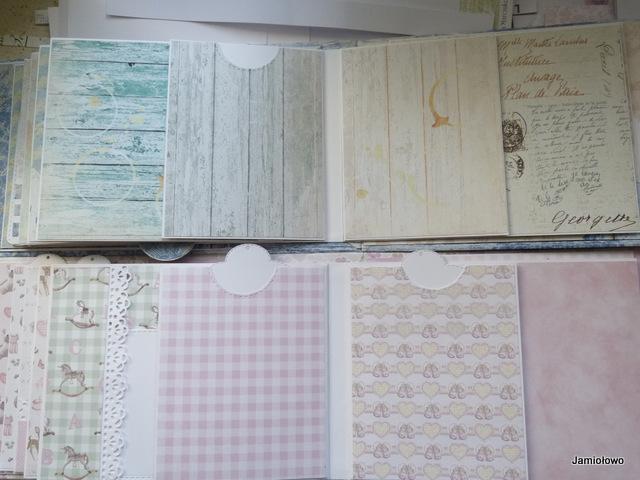 rozkładanki wewnątrz albumu na stronach 9 i 10