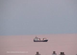 Imagen del mar color rosa para el día internacional de la mujer 2019. Por los derechos y libertades.