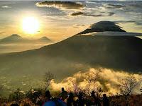 Keindahan Gunung Sumbing Jawa Tengah dan Jalur Pendakian Gunung Sumbing