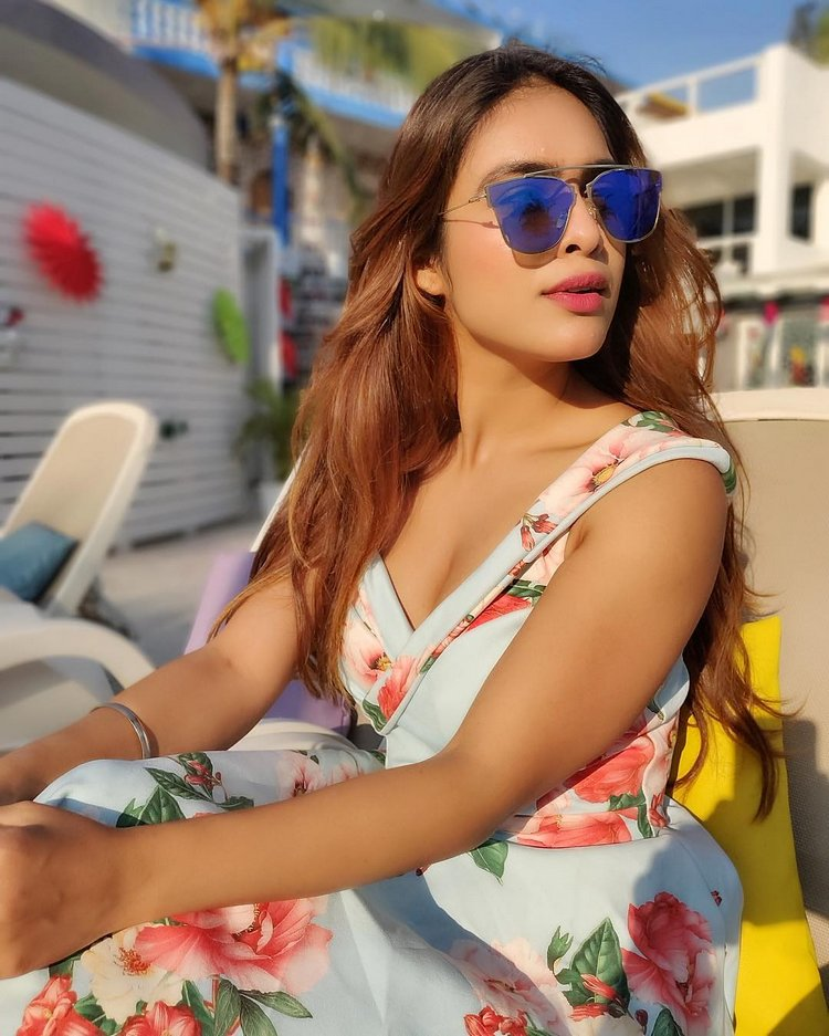 Neha Malik Hot Cleavage Photos In White Frock