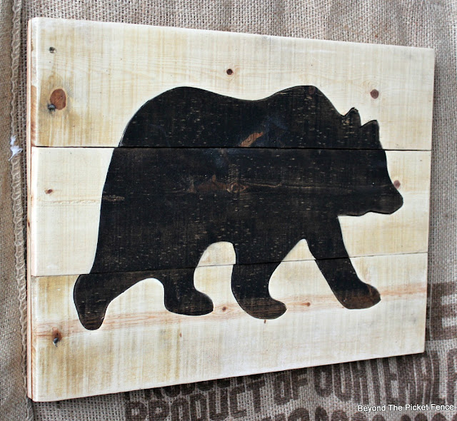 Pallet sign, salvaged wood, bear, rustic, minwax stain, jigsaw, on the wall, http://bec4-beyondthepicketfence.blogspot.com/2016/05/pallet-bear-puzzle.html