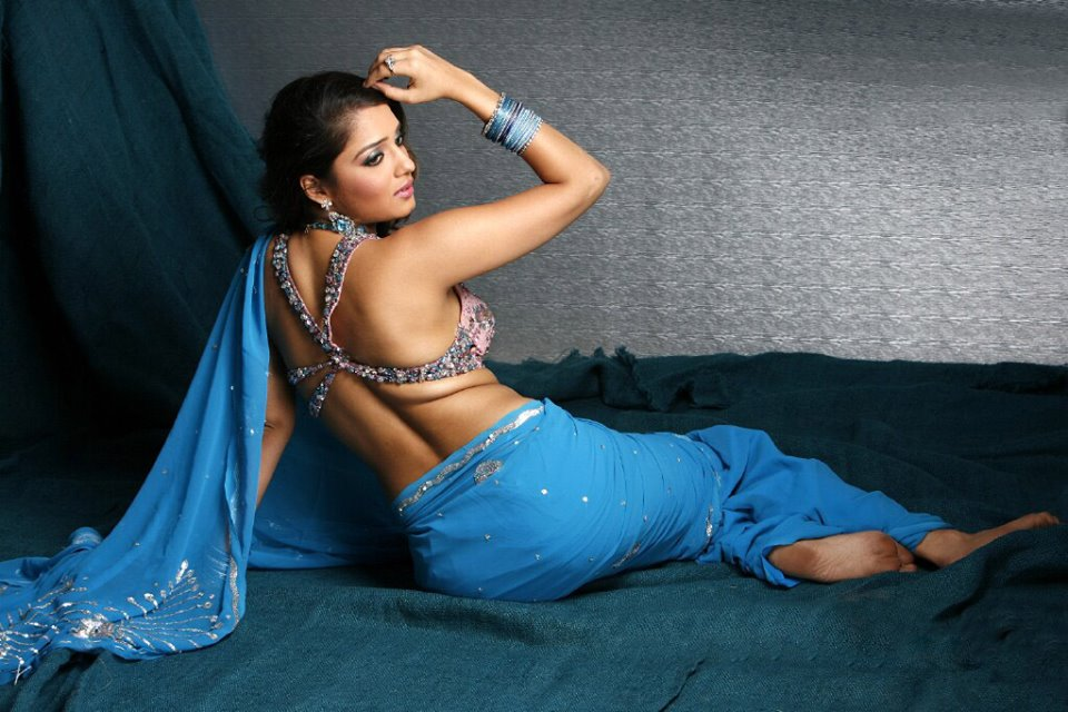 150 Actress Backless Photos Gallery From Bollywood Tollywood