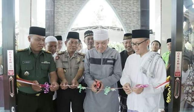 Plt Bupati dr. Buntaran meresmikan Masjid As-Salam