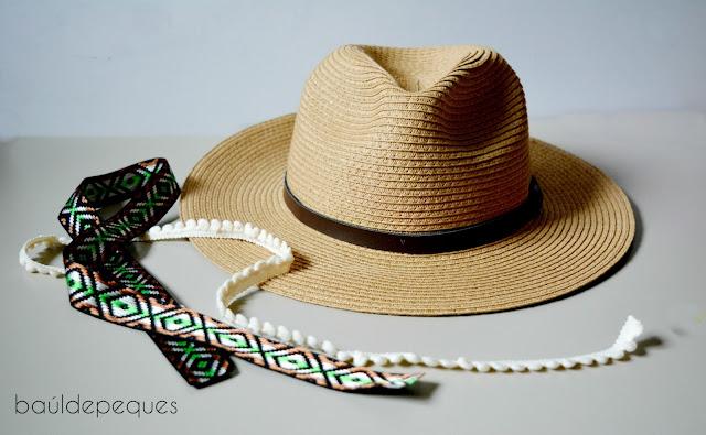 sombrero con cintas étnicas