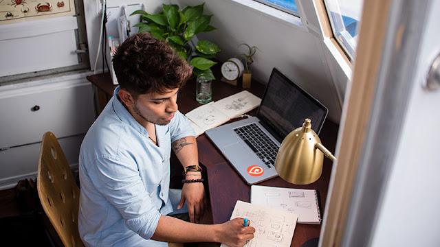 """Trabajar más, descansar menos: Un nuevo estudio ofrece malas noticias para los """"freelance"""""""