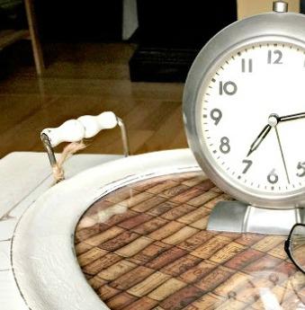 Cork tray with clock
