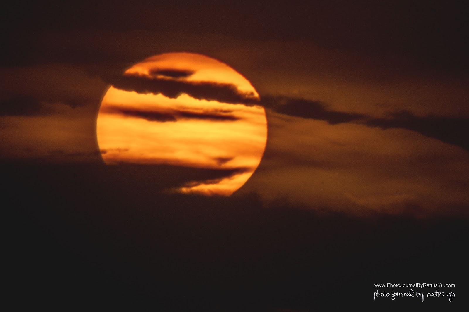 May 6, 2016: Monster Sunset At Manila Bay (Pedro Gil)