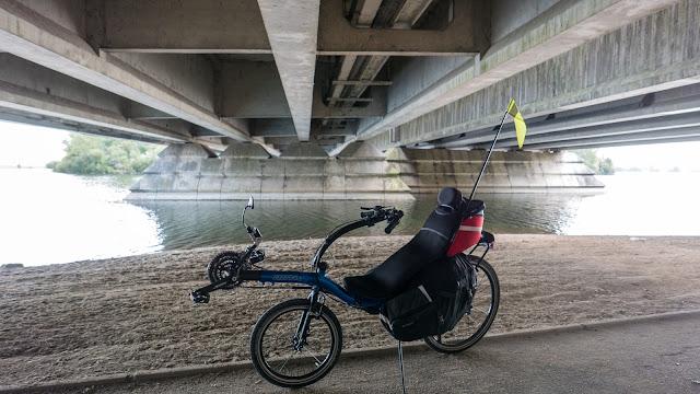 Vélodyssée - Bordeaux passage sous l'autoroute